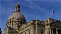 Alberta : un surplus malgré la baisse des prix du pétrole