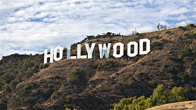 Le panneau Hollywood surplombe le quartier du même nom depuis 1923. / © trekandshoot, iStockphoto