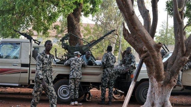 Des militaires putschistes à Bamako