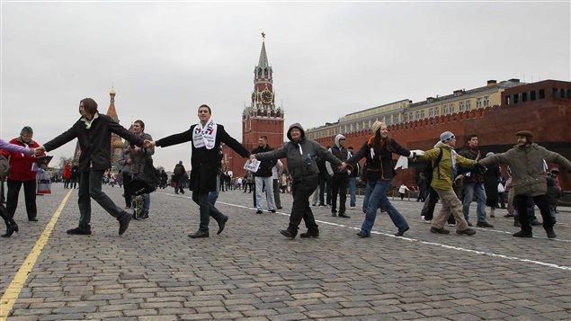 Les détracteurs de Vladimir Poutine manifestent à Moscou.