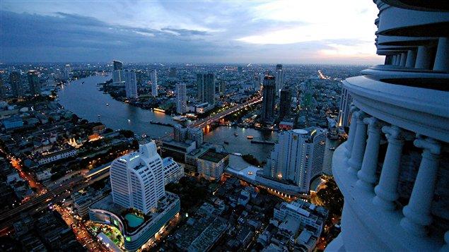 Bangkok à la tombée de la nuit / © Jean-Michel Dufaux