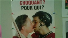 Une affiche de la Journ�e internationale contre l'homophobie