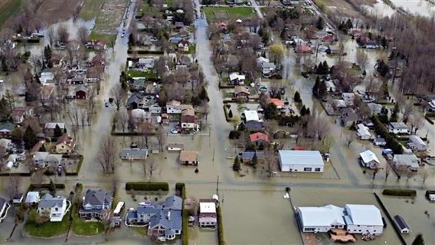 Quartier inondé de Saint-Jean-sur-Richelieu, le 6 mai 2011