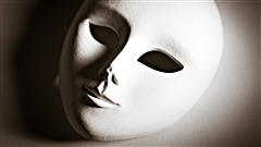 Le masque |  iStockphoto/Jelena Veskovic