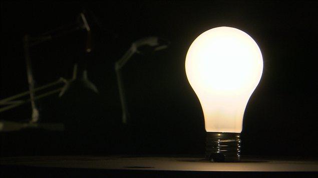 Une ampoule à incadescence