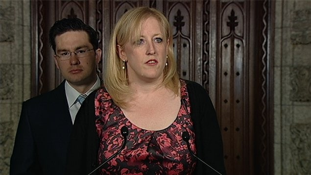 La ministre du Travail, Lisa Raitt