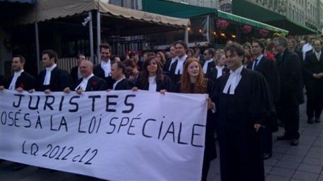 Manifestation de juristes contre la loi 78