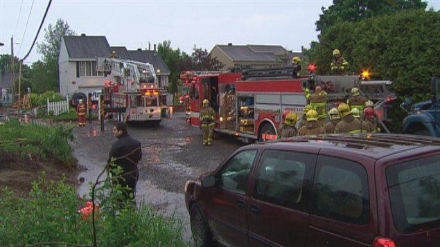 Incendie dans une maison saint mile ici radio for Alarme feu maison