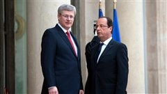 Le premier ministre Stephen Harper a rencontr le prsident franais Franois Hollande  Paris. 