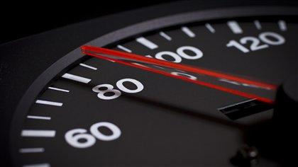 limiter la vitesse d 39 un poids lourd 105 km h est inconstitutionnel selon un tribunal ici. Black Bedroom Furniture Sets. Home Design Ideas