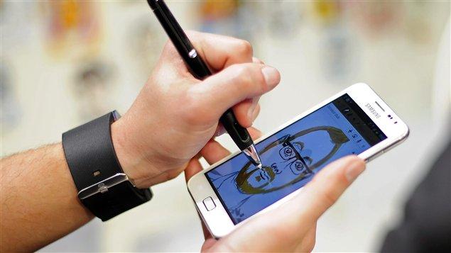 Le nouveau téléphone intelligent Galaxy S III de Samsung