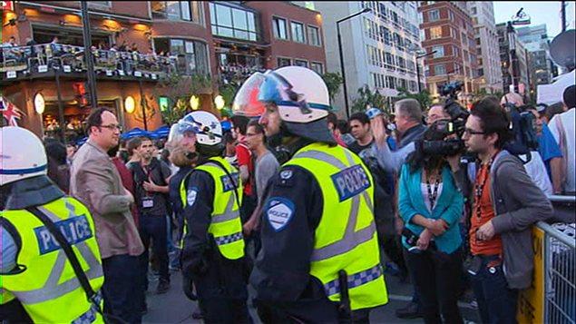 Présence policière sur la rue Crescent, au centre-ville de Montréal (8 juin 2012)