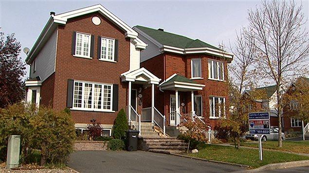 une maison se vend en moyenne 401 500 au canada ici radio