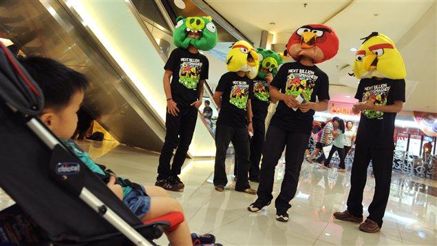 Des déguisements à l'effigie de personnages du jeu Angry Birds