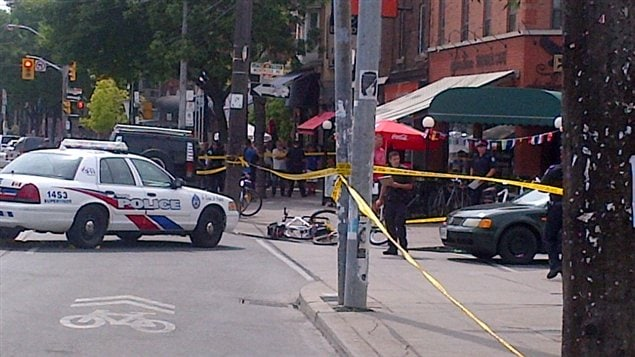 Une fusillade a fait un mort dans un caf de la petite Italie,  Toronto.
