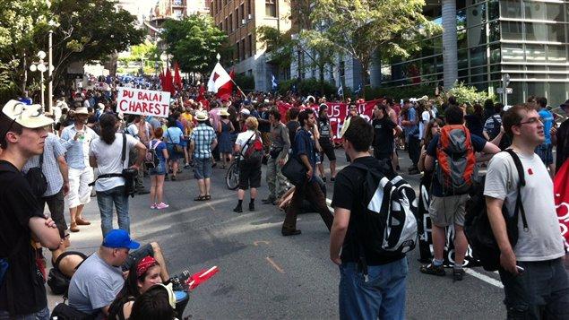 Les manifestants au centre-ville de Québec