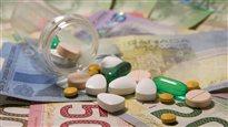 Les Canadiens payent plus cher les médicaments génériques