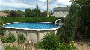 Une piscine résidentielle à Gatineau
