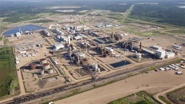 Installations de traitement des sables bitumineux de Nexen près de Fort McMurray, en Alberta