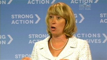 Laurel Broten, ministre de l'Éducation de l'Ontario