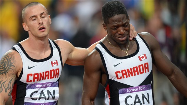 Jared Connaughton et Justyn Warner aprs la disqualification canadienne