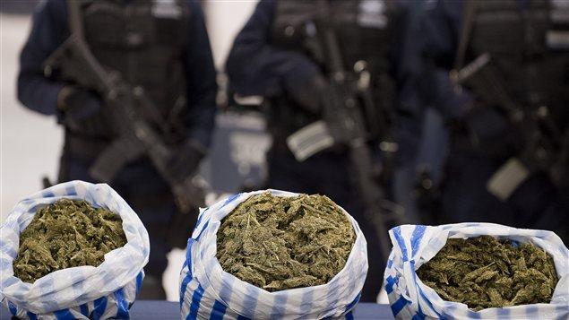 Des sacs de marijuana saisis par la police fédérale mexicaine, en 2011.