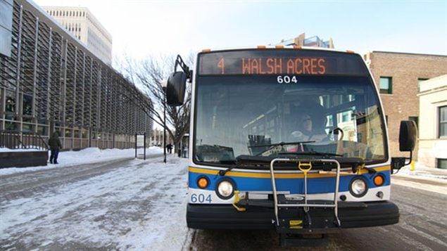 Un autobus de la Regina Transit