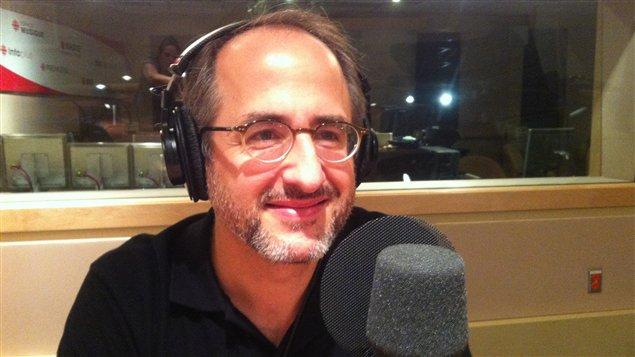 Le journaliste Antoine Robitaille propose des chansons aux différents partis politiques