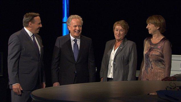 Les quatre chefs de partis quelques minutes avant le débat.