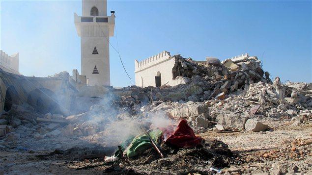 Les décombres du mausolée Al-Shaab Al-Dahman, près de Tripoli
