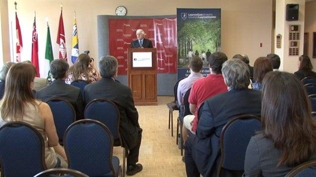 Le ministre du Développement du Nord et des Mines, Rick Bartolucci, était à l'Université Laurentienne vendredi