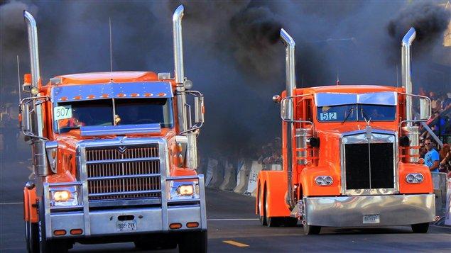 On distribuera des dépliants et des disques compacts aux chauffeurs de camion dans les différentes haltes routières de l'Alberta cet été.