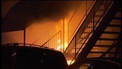 Le suspect a mis le feu au vestibule arrière du Métropolis