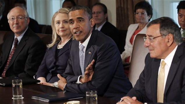 Le prsident amricain Barack Obama, sa secrtaire d&#39;tat Hillary Clinton, et le secrtaire  la Dfense, Leon Panetta, lors d&#39;une rencontre du Cabinet en juin 2012.