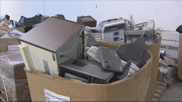 le recyclage des d chets lectroniques les samedis du. Black Bedroom Furniture Sets. Home Design Ideas