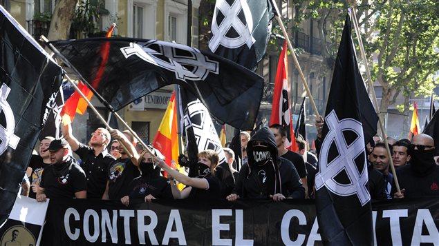 Des manifestants d'extrême droite dans les rues de Madrid