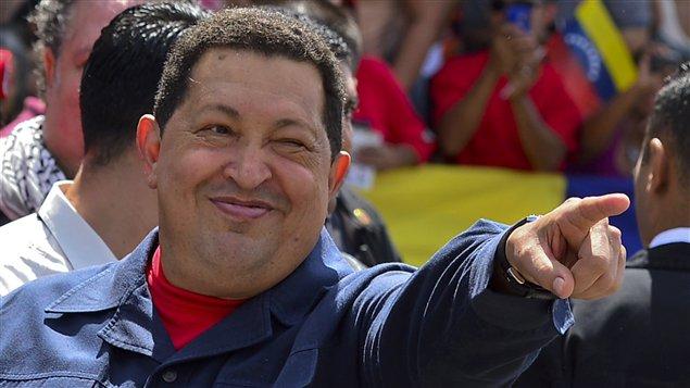 Le président sortant Hugo Chavez est réélu à la tête du Venezuela.