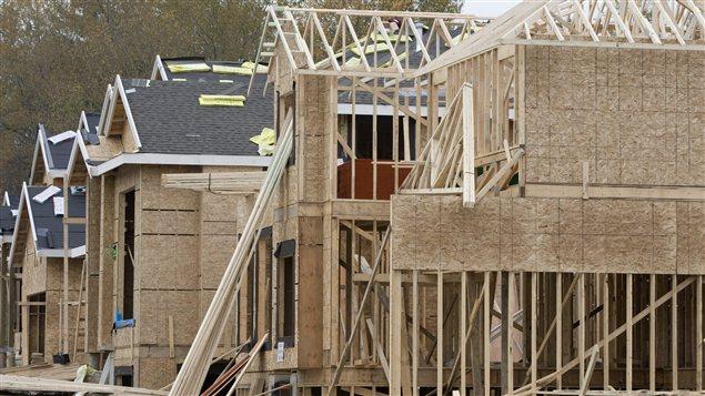 Baisse des mises en chantier en septembre au pays ici for Assurance chantier construction maison