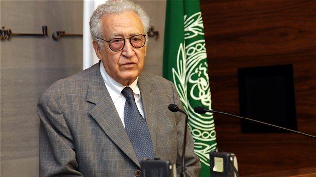 Lakhdar Brahimi lors de son point de presse dans la capitale libanaise
