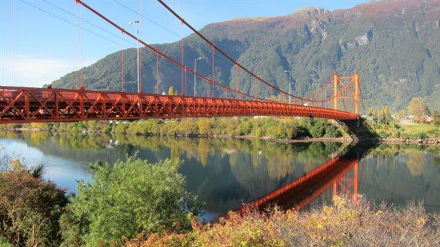 Le pont de Puerto Aysen, symbole des affrontements avec la police