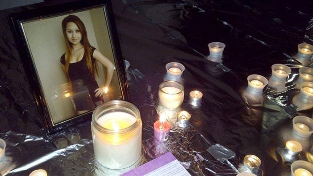 Des bougies en mémoire d'Amanda Todd