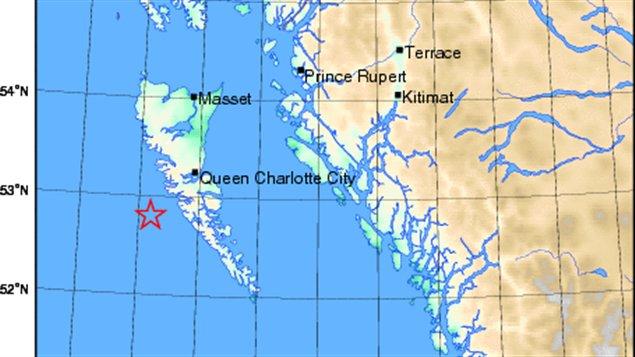 L'étoile indique le lieu approximatif de l'épicentre du séisme, au large des îles de la Reine-Charlotte, en Colombie-Britannique
