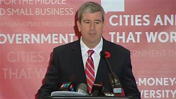 Glen Murray annonce sa candidature à la direction du Parti libéral de l'Ontario.