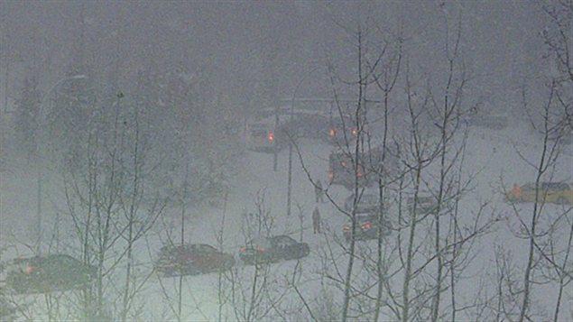 Tempête de neige et accidents de circulation à Edmonton