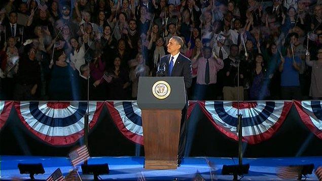 Le président Barack Obama prononce son discours de victoire à Chicago.