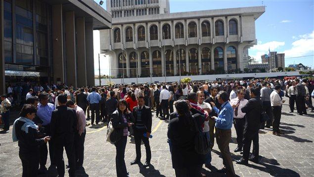 Des milliers de personnes sont sorties dans les rues dans la capitale