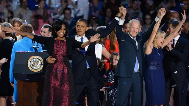 Michelle Obama, Barack Obama, Joe Biden et Jill Biden remercient leurs partisans � Chicago.