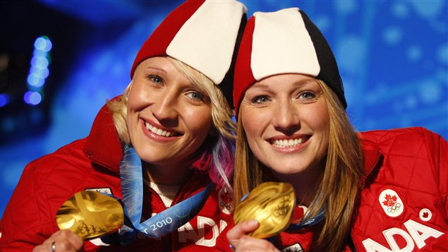 Kaillie Humphries (gauche) et Heather Moyse
