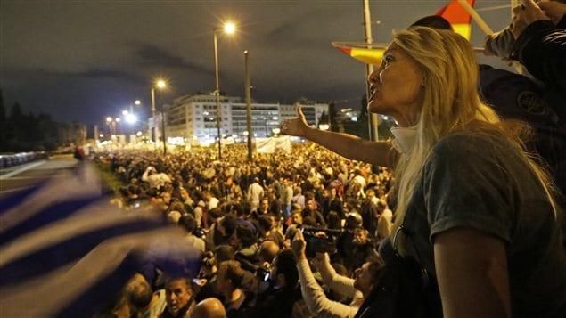 Manifestation près du Parlement grec dans la nuit de mercredi à jeudi