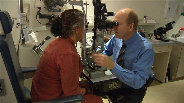 Médecin ophtalmologiste